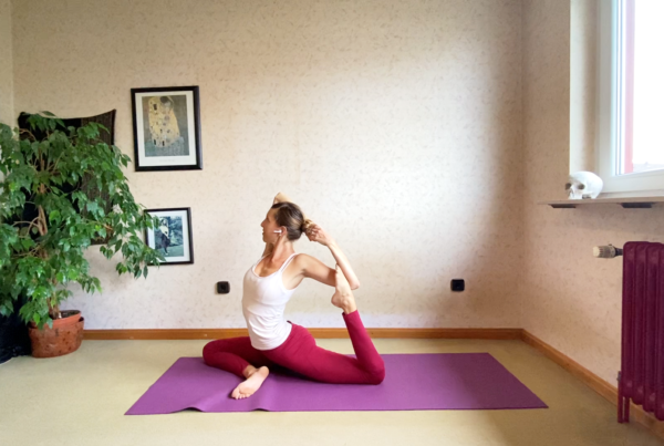 Shoulder stability and mobility, side bends and twists towards side crow