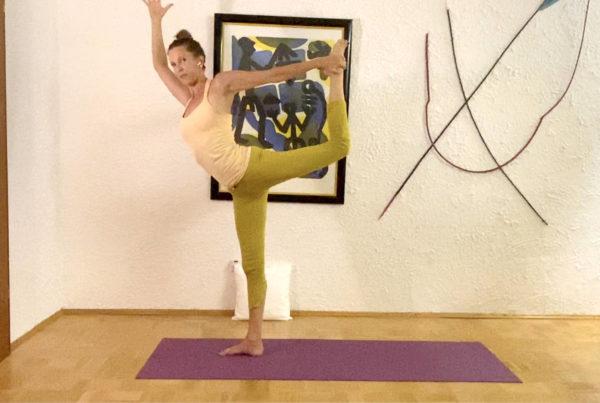 Shoulder strength, heart opening towards natarajasana – dancing Shiva