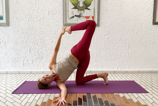 Low to the ground balances and backbends – Creative Play