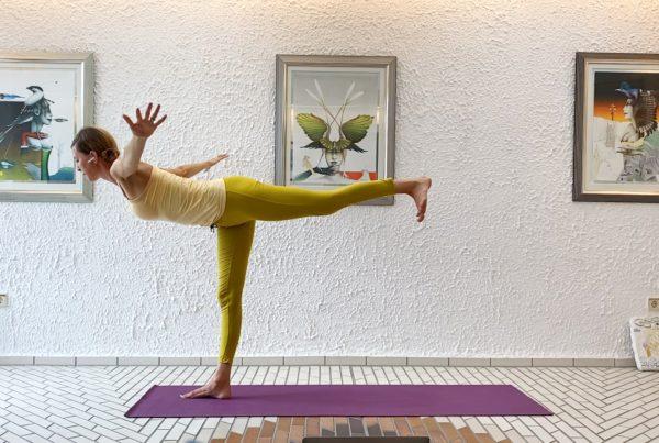 Finding balance through twists – Sun burst sun salutes